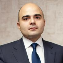 Артем  Карапетов