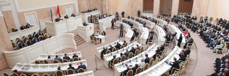 Макаров разочаровал петербуржцев бесконечными коррупционными скандалами